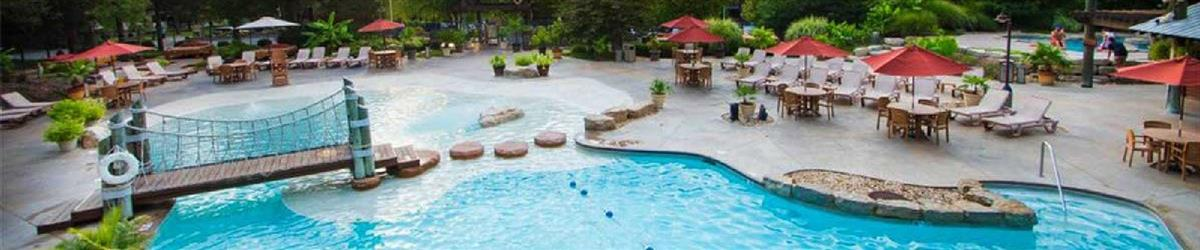 Hotels with Outdoor Swimming Pools in Branson MO