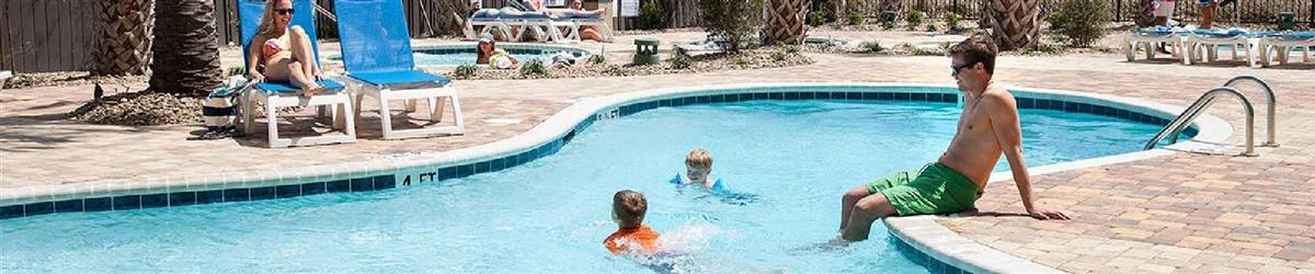 Pigeon Forge Hotels with Outdoor Pool