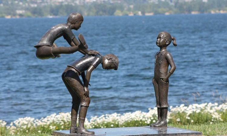 16 FUN THINGS TO DO IN SEATTLE WITH KIDS: A PARENT'S GUIDE